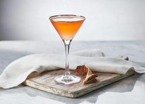 Pink Gin; Bildquelle: Gin Foundry (https://www.ginfoundry.com/cocktail/pink-gin/)